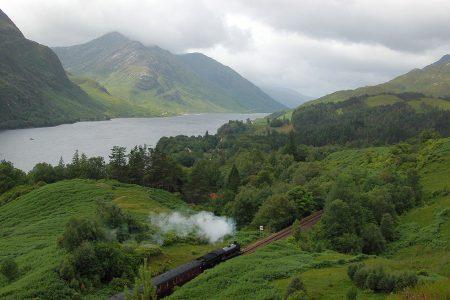 Unsere 13-taegige Bahnreise durch Schottland beinhaltet eine Fahrt mit dem Dampfzug.
