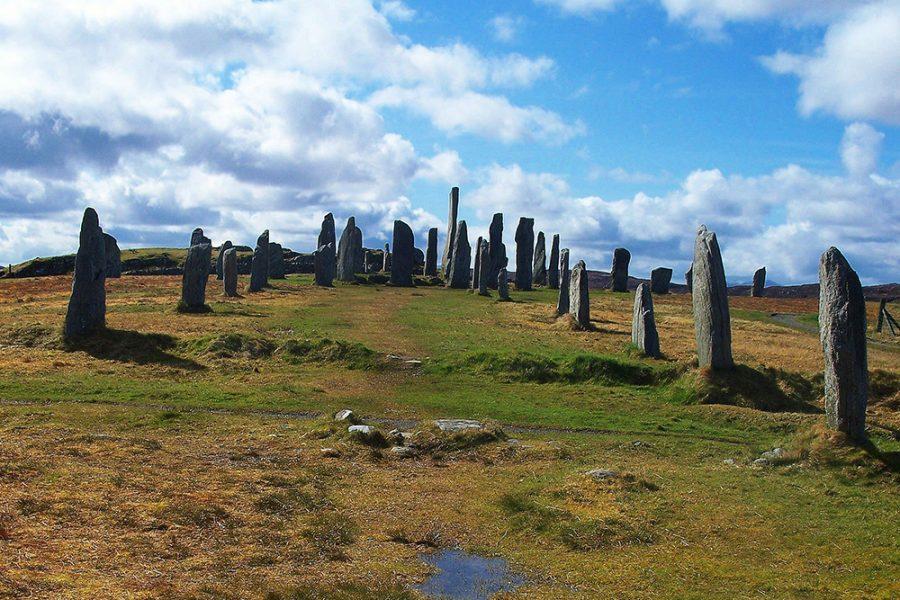 Unsere Individualreise mit dem Auto fuehrt zum Callanish Steinkreis auf der Insel Lewis.